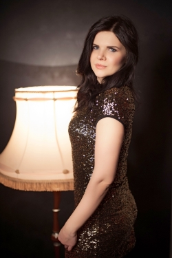 Photo of beautiful Ukraine  Alina with black hair and blue eyes - 20992