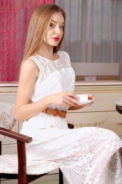 Photo of beautiful Ukraine  Alina with blonde hair and blue eyes - 23222
