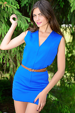 Photo of beautiful Ukraine  Anastasia with brown hair and brown eyes - 18219