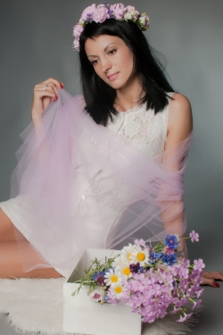 Photo of beautiful Ukraine  Ekaterina with black hair and brown eyes - 20319
