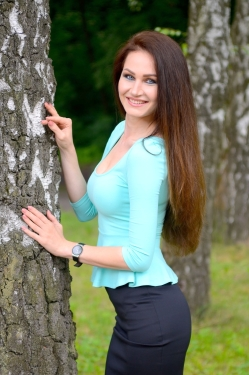 Photo of beautiful Ukraine  Katerina with light-brown hair and blue eyes - 19715