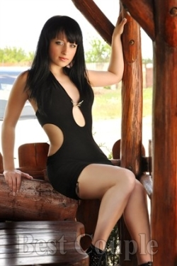 Photo of beautiful Ukraine  Margarita with black hair and blue eyes - 12264