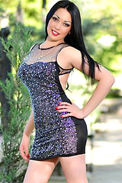 Photo of beautiful Ukraine  Nadezhda with black hair and brown eyes - 18214
