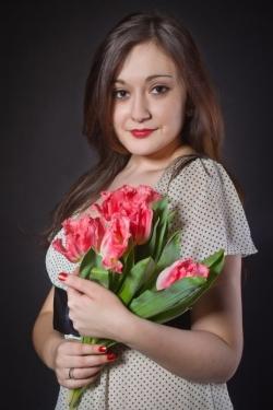 Photo of beautiful Ukraine  Natasha with brown hair and brown eyes - 19584