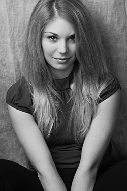 Photo of beautiful Ukraine  Olga with blonde hair and green eyes - 17970