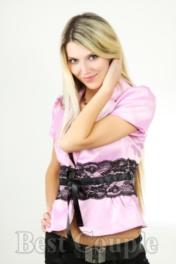 Photo of beautiful Ukraine  Tanya with blonde hair and blue eyes - 12293