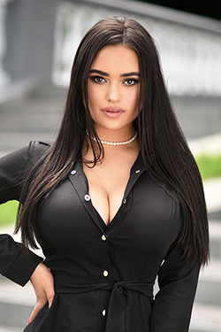 Photo of beautiful Ukraine  Victoria with black hair and brown eyes - 25359